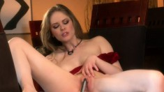 Sexy Diane Deluna gets her toy working on her pink slit to get off